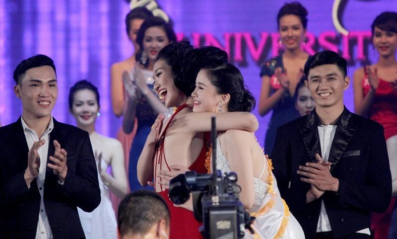 Đặng Thị Thu Hồng đoạt Nữ sinh viên VN duyên dáng 2016 - ảnh 3