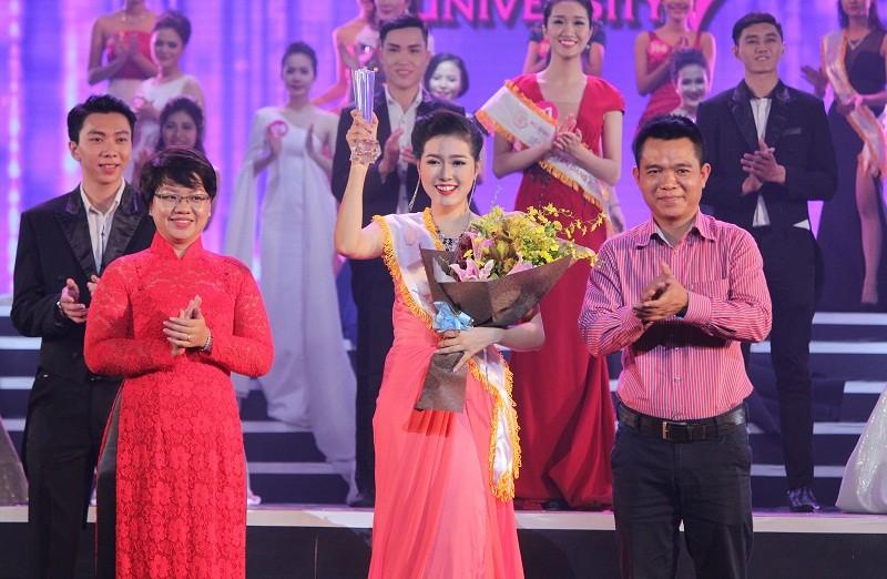 Đặng Thị Thu Hồng đoạt Nữ sinh viên VN duyên dáng 2016 - ảnh 10
