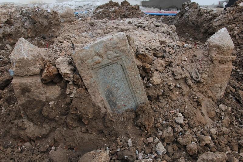 Cận cảnh mộ cổ được phát hiện trong bưu điện Phú Thọ - ảnh 2