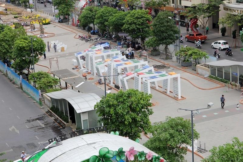 Mục kích tiến độ thi công đường hoa Nguyễn Huệ 2017 - ảnh 19
