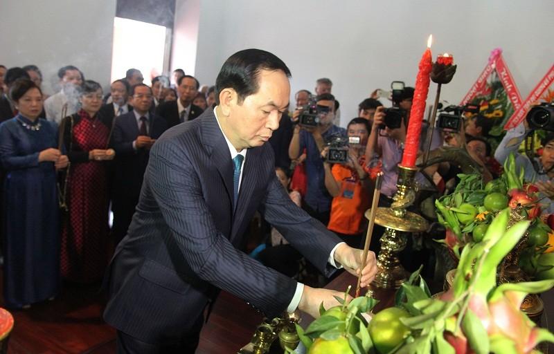Chủ tịch nước cùng kiều bào dâng hương Bác Hồ - ảnh 2