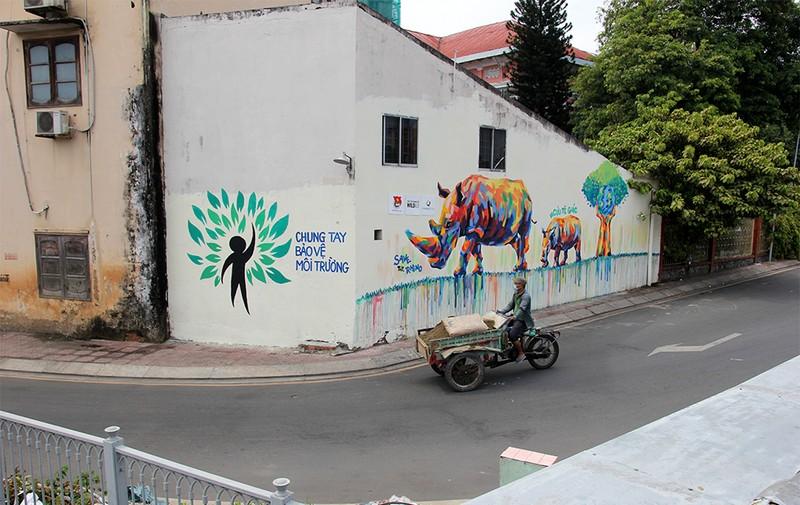 Ngắm những bức tường bẩn ở quận 1 được thay áo mới - ảnh 5