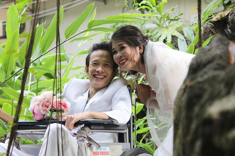 Bạn đọc chụp ảnh cưới cho cặp đôi 'Tình yêu cổ tích' - ảnh 21