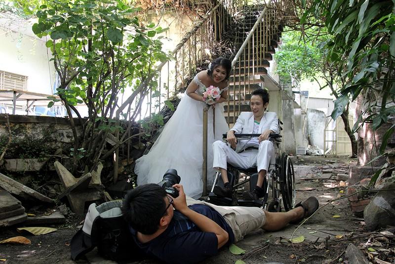 Bạn đọc chụp ảnh cưới cho cặp đôi 'Tình yêu cổ tích' - ảnh 22
