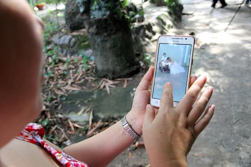 Bạn đọc chụp ảnh cưới cho cặp đôi 'Tình yêu cổ tích' - ảnh 25