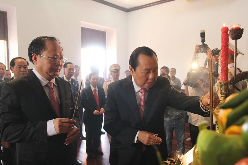 Chủ tịch nước, lãnh đạo TP.HCM dâng hương Bác Hồ  - ảnh 4