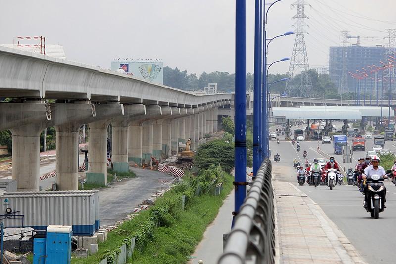 Rõ dáng tuyến metro số 1 ì ạch vì thiếu vốn - ảnh 10