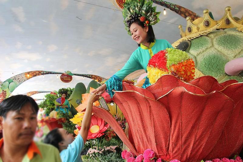 Ngắm bóng hồng xinh đẹp tại lễ hội trái cây Nam Bộ - ảnh 11