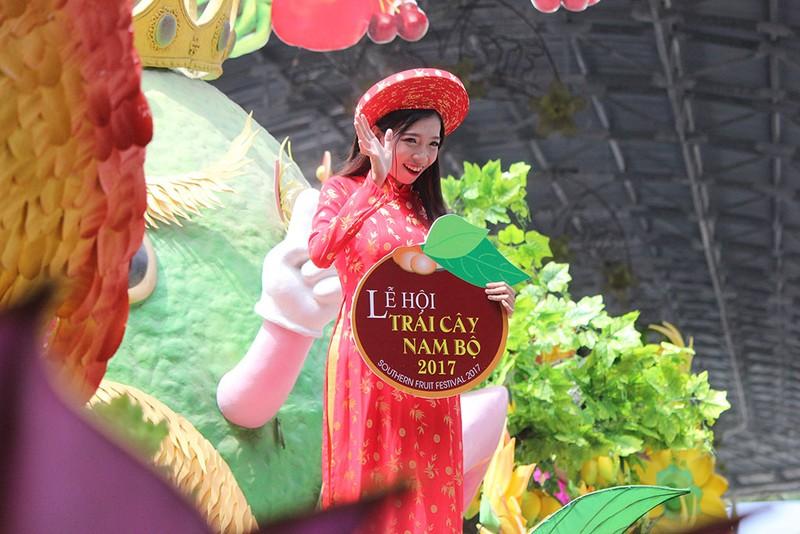 Ngắm bóng hồng xinh đẹp tại lễ hội trái cây Nam Bộ - ảnh 15