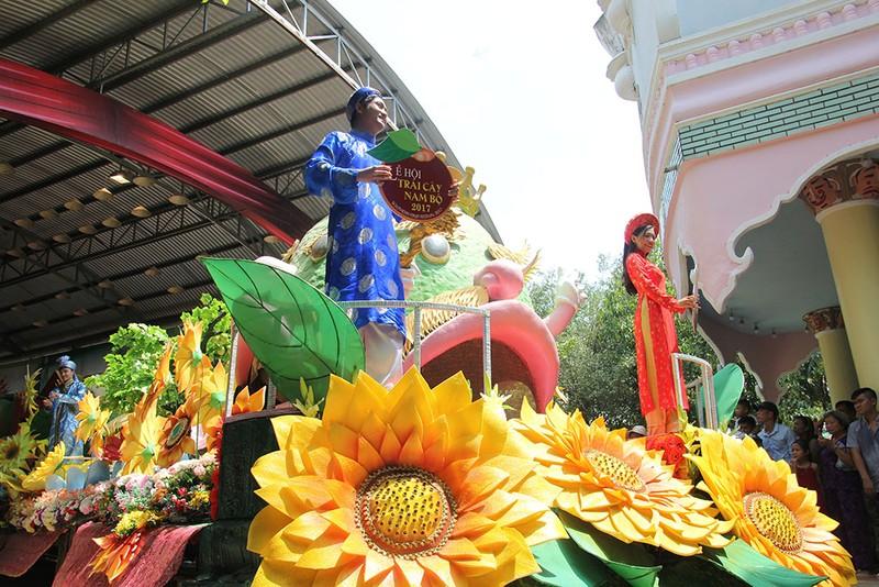 Ngắm bóng hồng xinh đẹp tại lễ hội trái cây Nam Bộ - ảnh 18