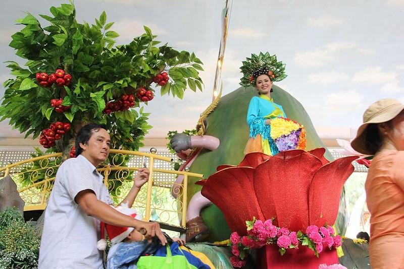 Ngắm bóng hồng xinh đẹp tại lễ hội trái cây Nam Bộ - ảnh 9