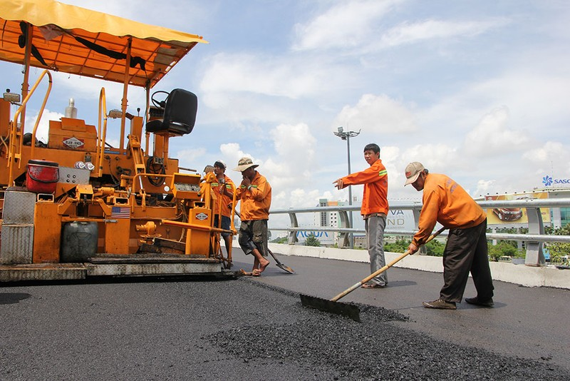 2 cầu vượt giải cứu kẹt xe Tân Sơn Nhất sắp thông xe - ảnh 7