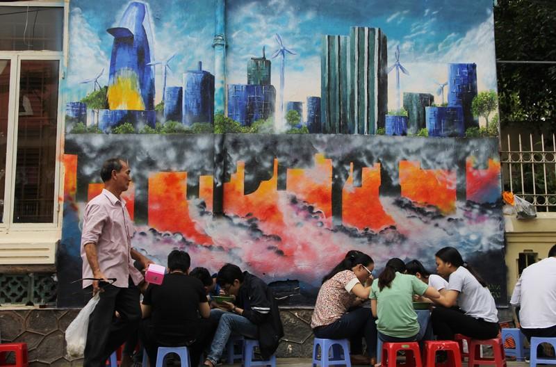TP.HCM năm 2030 qua những bức tranh tường - ảnh 2