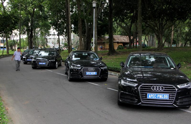 Dàn xe sang phục vụ APEC 2017 tại Hội trường Thống Nhất - ảnh 1