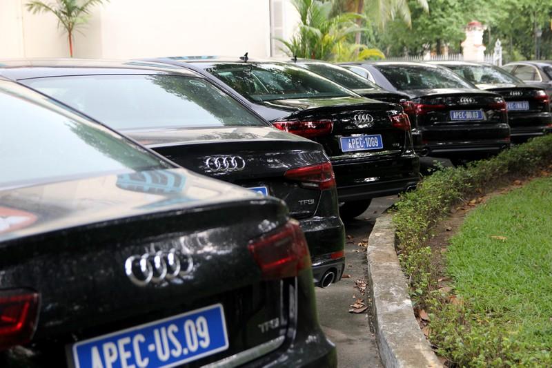 Dàn xe sang phục vụ APEC 2017 tại Hội trường Thống Nhất - ảnh 4