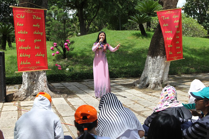Xúc động xem học sinh làm lễ tế anh hùng Trương Định - ảnh 6