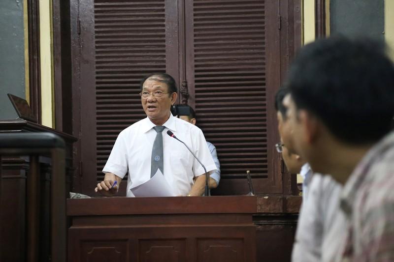 Nguyễn Minh Hùng từ thẫn thờ đến khóc ngất tại tòa - ảnh 6