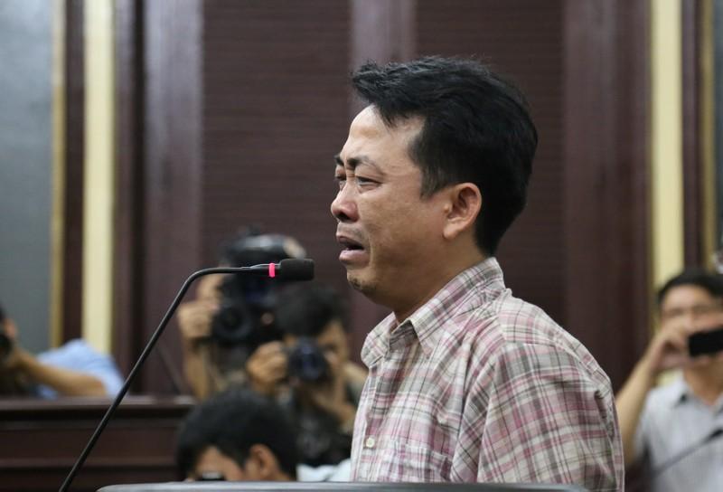 Nguyễn Minh Hùng từ thẫn thờ đến khóc ngất tại tòa - ảnh 8