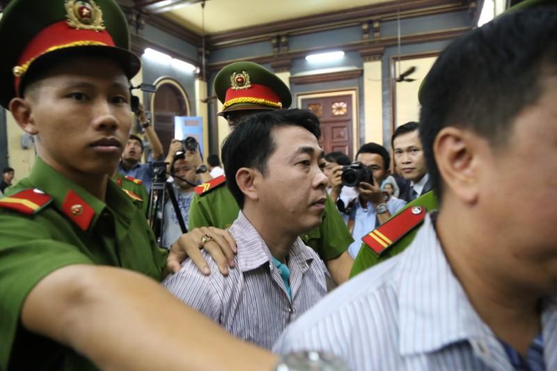 Phút bình thản và thắt tim của Nguyễn Minh Hùng - ảnh 10