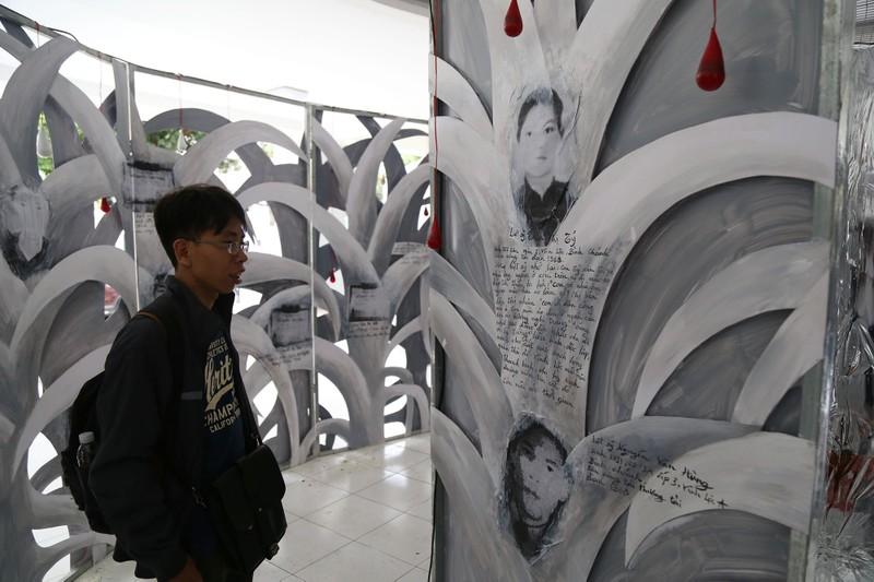Đến TP.HCM xem triển lãm người trẻ nghĩ về chiến tranh - ảnh 3