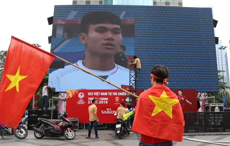 TP.HCM ngập tràn sắc đỏ, cổ vũ U-23 Việt Nam - ảnh 18