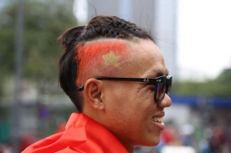 TP.HCM ngập tràn sắc đỏ, cổ vũ U-23 Việt Nam - ảnh 19