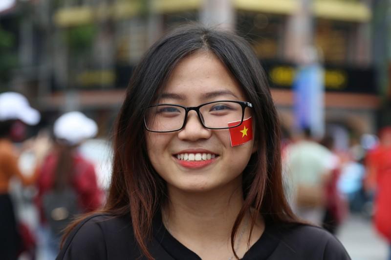 TP.HCM ngập tràn sắc đỏ, cổ vũ U-23 Việt Nam - ảnh 20