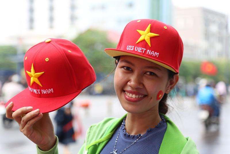 TP.HCM ngập tràn sắc đỏ, cổ vũ U-23 Việt Nam - ảnh 5