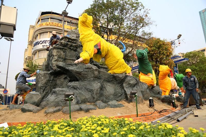 Cận cảnh đường hoa Nguyễn Huệ trước ngày khai mạc - ảnh 3