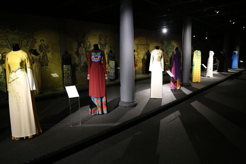 Ngắm áo dài của các nữ lãnh đạo Việt Nam - ảnh 2