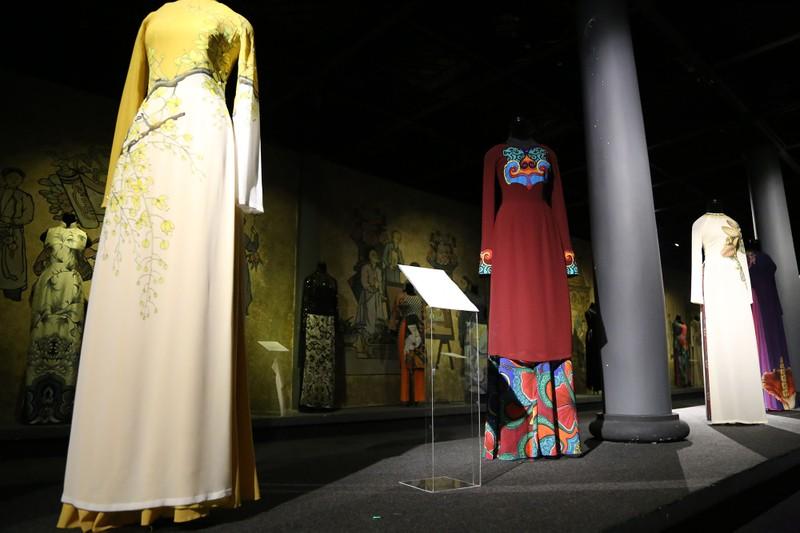 Ngắm áo dài của các nữ lãnh đạo Việt Nam - ảnh 3