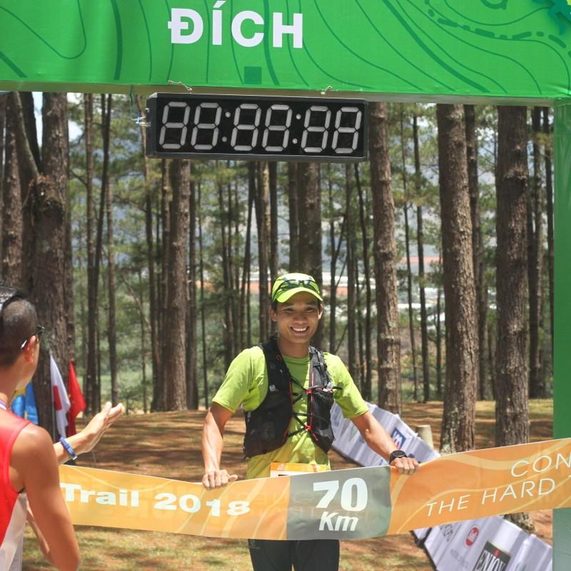 VĐV Trần Duy Quang về nhất giải Siêu Marathon quốc tế  - ảnh 1