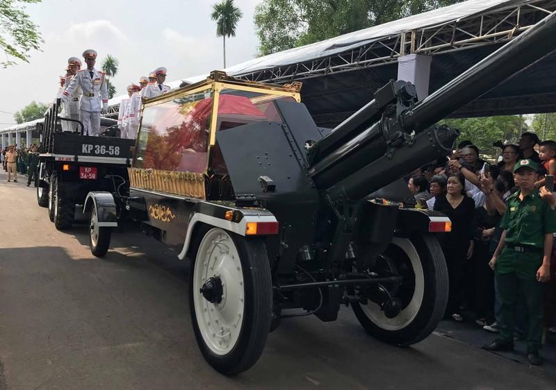 Hình ảnh xúc động trong lễ tang cố TT Phan Văn Khải - ảnh 17