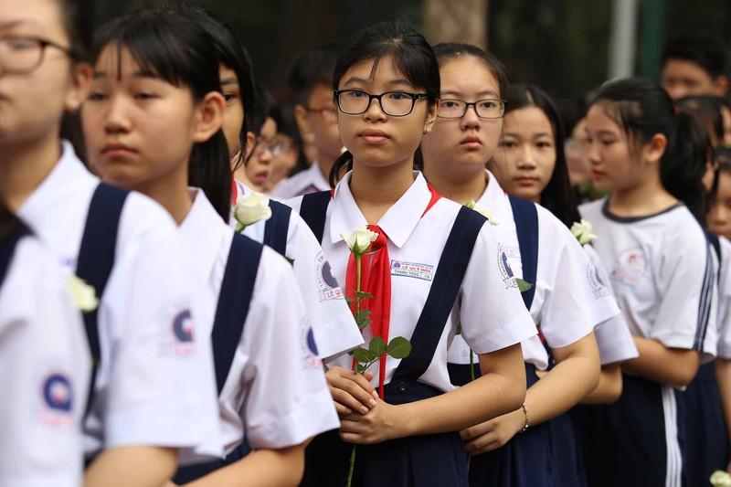 Hình ảnh xúc động trong lễ tang cố TT Phan Văn Khải - ảnh 2