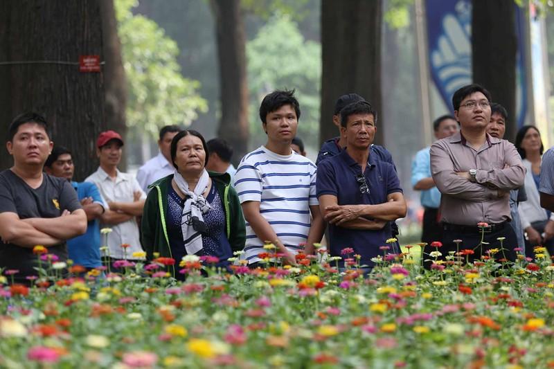 Hình ảnh xúc động trong lễ tang cố TT Phan Văn Khải - ảnh 6