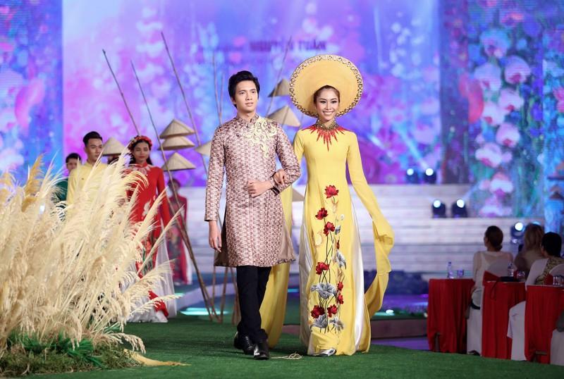 Hơn 100.000 người hưởng ứng Lễ hội áo dài TP.HCM 2018  - ảnh 3