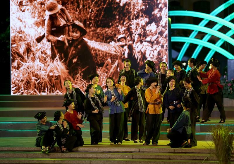 Ấn tượng chương trình kỷ niệm 43 năm thống nhất đất nước - ảnh 10
