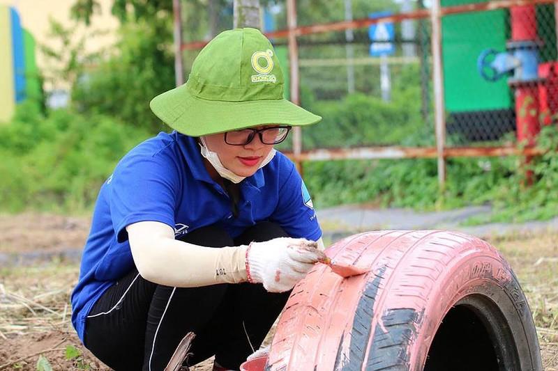 Cận cảnh sân chơi từ rác tái chế cho trẻ em ngoại thành - ảnh 3