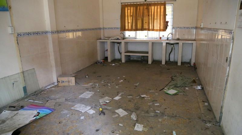Ngôi trường tiểu học bỏ hoang gần 3 năm ở TP.HCM - ảnh 12