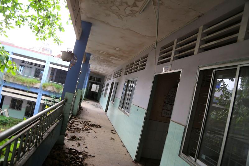 Ngôi trường tiểu học bỏ hoang gần 3 năm ở TP.HCM - ảnh 4