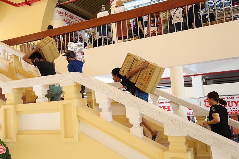 Chợ Bình Tây 'lột xác' sau hai năm tu sửa  - ảnh 4