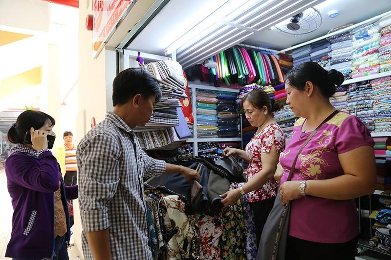 Chợ Bình Tây 'lột xác' sau hai năm tu sửa  - ảnh 7