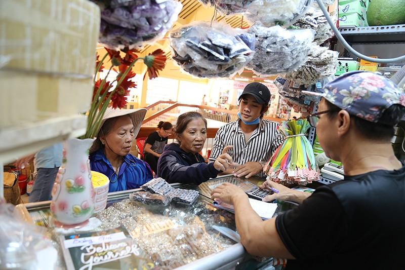 Chợ Bình Tây 'lột xác' sau hai năm tu sửa  - ảnh 9