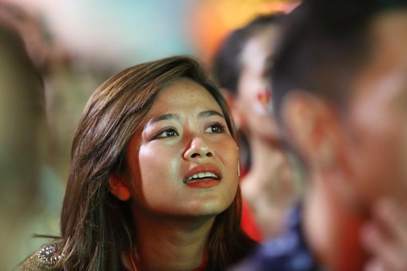 CĐV rơi nước mắt tiếc nuối tuyển Việt Nam rời Asian Cup - ảnh 11