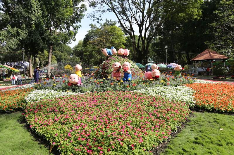 Đổ xô 'check-in' Hội hoa xuân Tao Đàn trước giờ khai mạc - ảnh 5