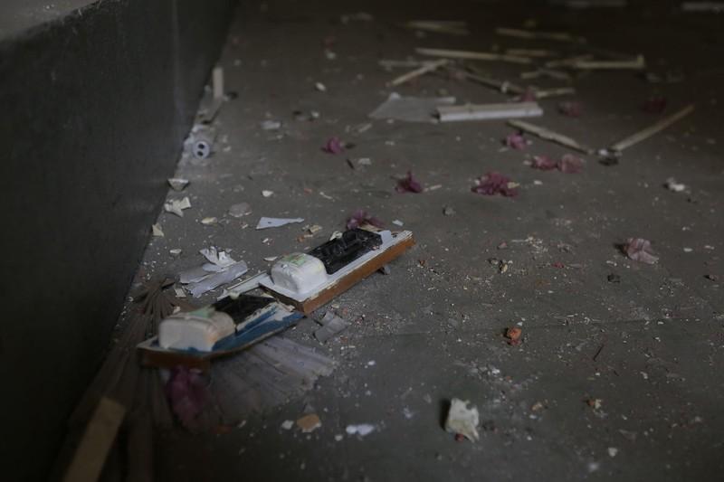 Cảnh xuống cấp bên trong trường học 40 năm tuổi bị bỏ hoang  - ảnh 11