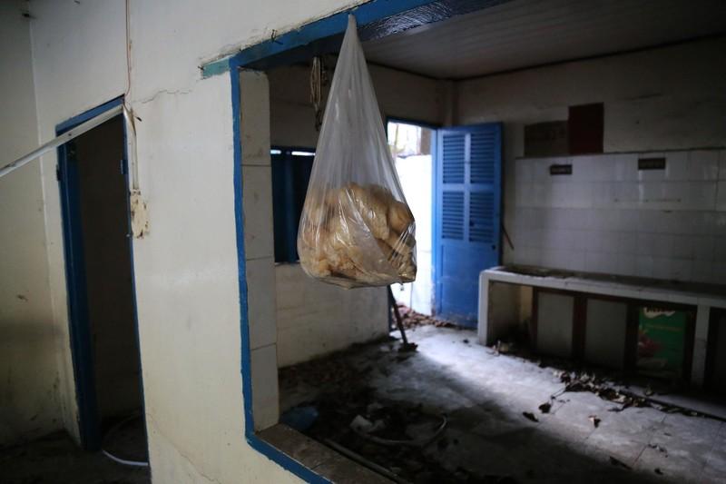 Cảnh xuống cấp bên trong trường học 40 năm tuổi bị bỏ hoang  - ảnh 5