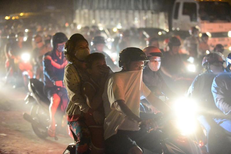 Loạt ảnh báo động về ô nhiễm không khí trên khắp Việt Nam - ảnh 5