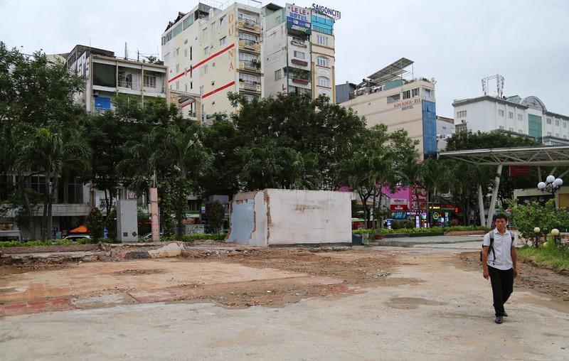 Tất bật tháo dỡ các công trình tại Công viên 23-9 - ảnh 8