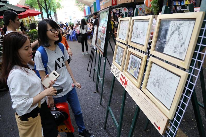Cuối tuần đến đường sách xem ảnh và nghe kể chuyện về Sài Gòn - ảnh 1
